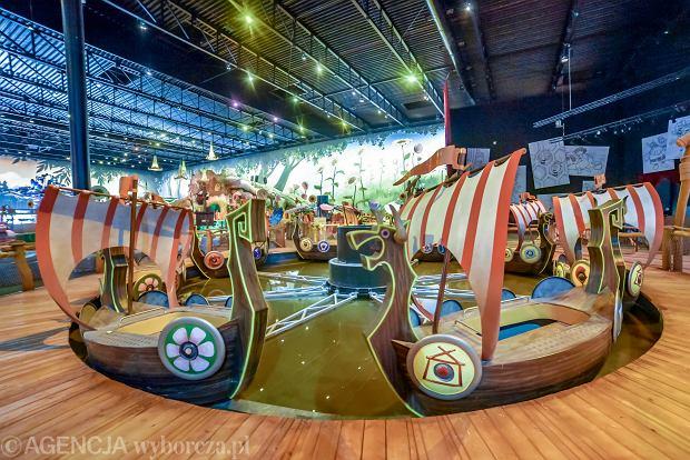 Wnętrze parku rozrywki Majaland