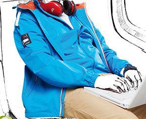 Poradnik: jak się ubrać na podróż?, podróż, wakacje, moda męska, kurtki, Kurtka z kolekcji Helly Hansen/Adventure Sports, cena: 600 z