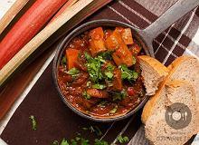 Gulasz wołowy w porterze z rabarbarem - ugotuj