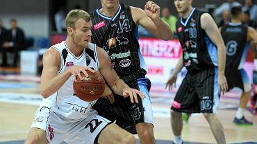 Start Lublin - BM Slam Stal Ostrów Wlkp. 61:59. Z piłką Jarosław Trojan