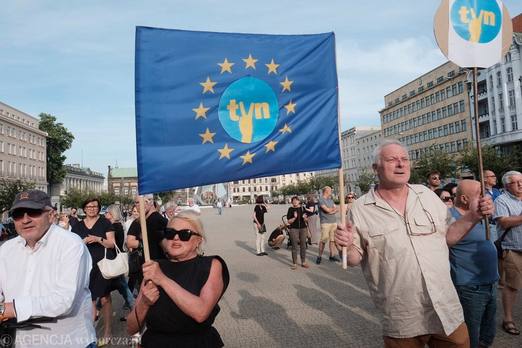 Manifestacja w obronie stacji telewizyjnej TVN i Wolnych Mediów w Poznaniu, 30.07.2021 r.