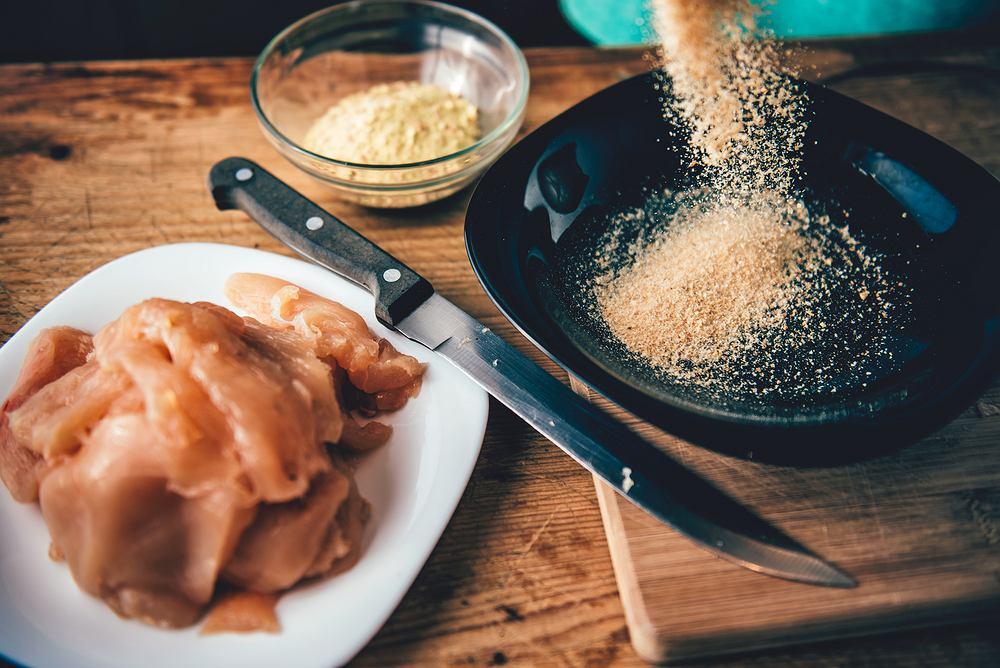 Jeden z użytkowników forum Kuchnia poradził, czym zastąpić bułkę tartą