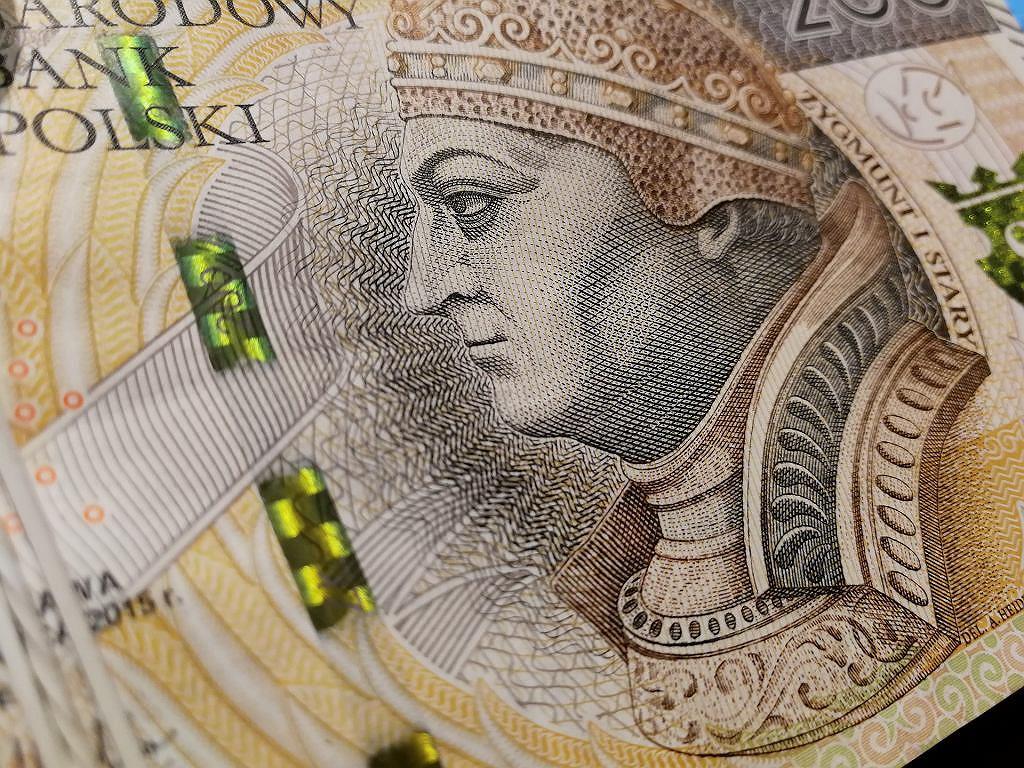 Pieniądze, odszkodowanie (zdjęcie ilustracyjne)