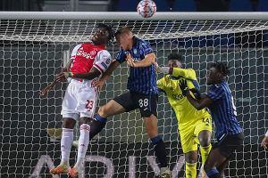 Poznaliśmy ostatnie rozstrzygnięcia w grupie D. Ajax pożegnał się z Ligą Mistrzów