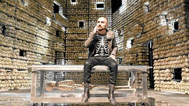 Jan Klata podczas próby spektaklu 'Do Damaszku'