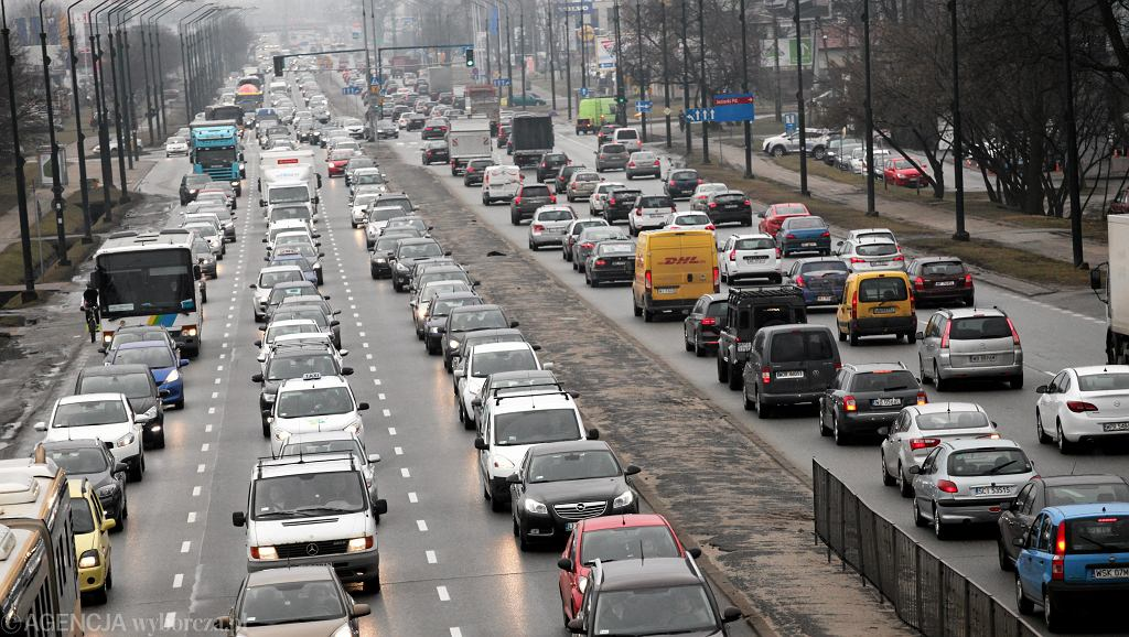 Warszawa , ul. Pulawska . Korki w kierunku centrum Warszawy
