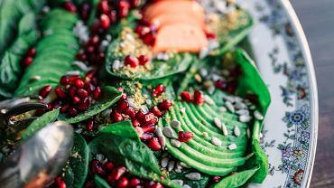 zrównoważona dieta zawiera komplet witamin i minerałów