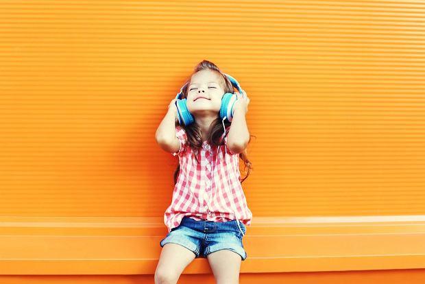 Niedosłuch u dziecka - objawy i konsekwencje. Czasem niełatwo zauważyć, że dziecko gorzej słyszy