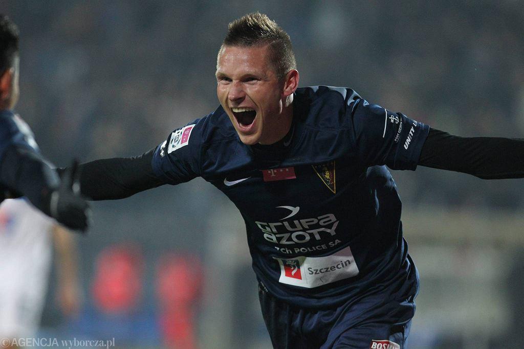 Marcin Robak w wygranym przez Pogoń meczu z Lechem, w którym strzelił pięć bramek