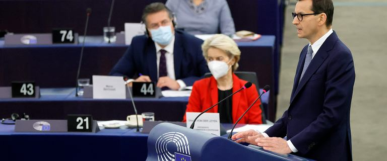 """Kto bronił Morawieckiego w PE? """"Faszyści, nacjonaliści, putinowska agentura"""""""