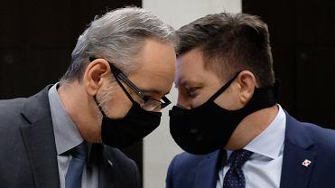 """Luzowanie obostrzeń po 1 lutego? Minister ostrzega przed """"eksplozją pandemiczną"""""""