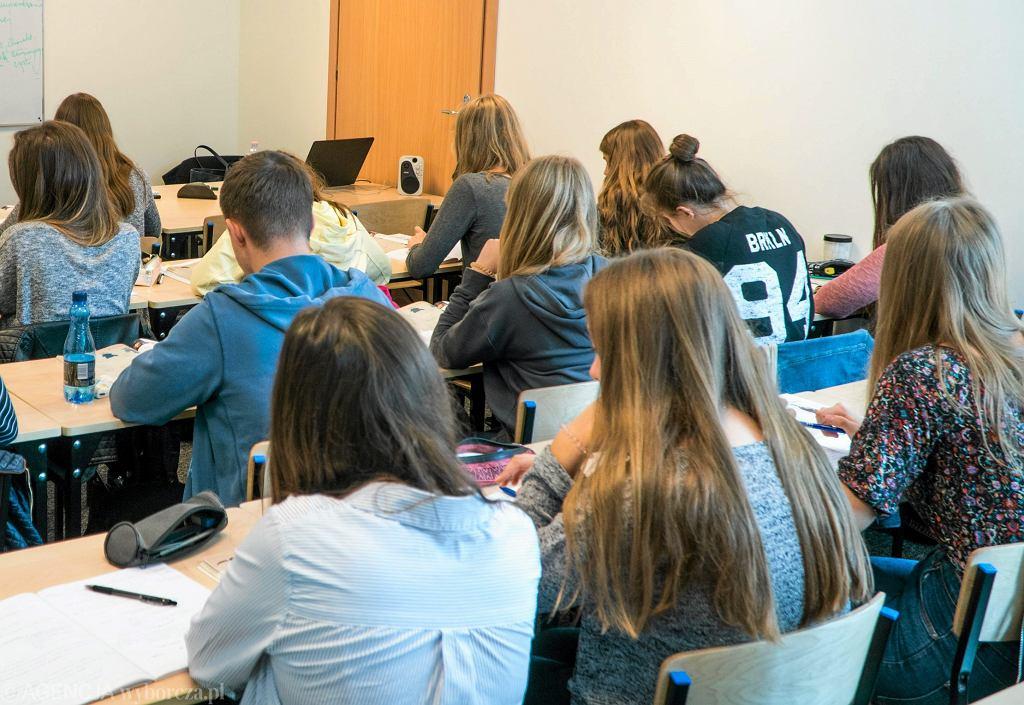 Uczniowie liceum (zdj. ilustracyjne)