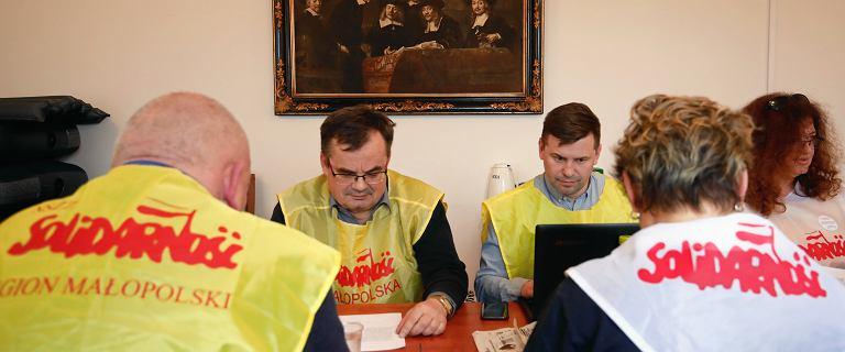 W Krakowie pierwszy nauczyciel zaczął strajk głodowy