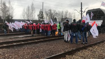Górnicy blokują tory