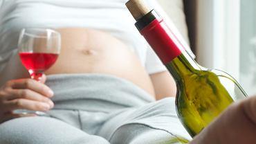 Alkohol w ciąży? Z konsekwencjami dziecko może zmagać się całe życie.