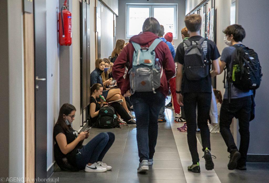 Powrót do szkół ósmoklasistów i maturzystów w lutym?