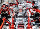 Tesla już nie jest niszowym producentem. W 2020 r. sprzedała czwartą część światowych elektryków