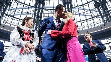 29.02.2020, Jasionka, Władysław Kosianiak-Kamysz z żoną Pauliną na konwencji wyborczej.
