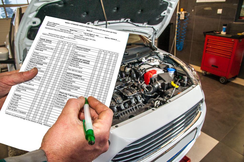 Na ocenę stanu samochodu składa się bardzo dużo czynników. Zdjęcie ilustracyjne, damiangretka/shutterstock.com