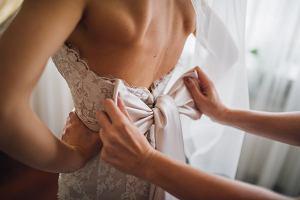 Sukienki na ślub cywilny - jakie wybierać? Modne i eleganckie propozycje