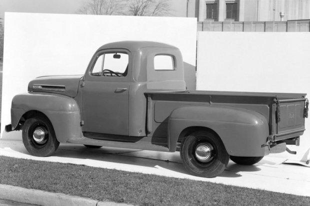 Pierwszy Ford F