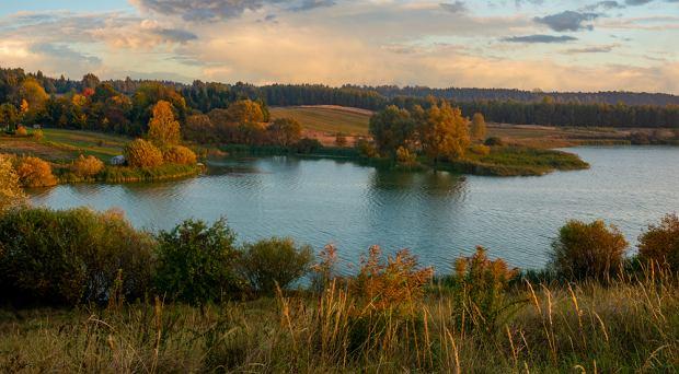 Pojezierze Drawskie zachwyca swoim pięknem - w tym głównie mnogością jezior i lasów