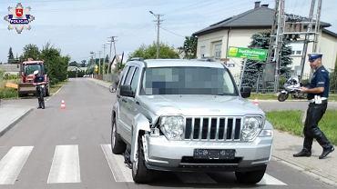 10-latek jadący hulajnogą elektryczną zderzył się z samochodem