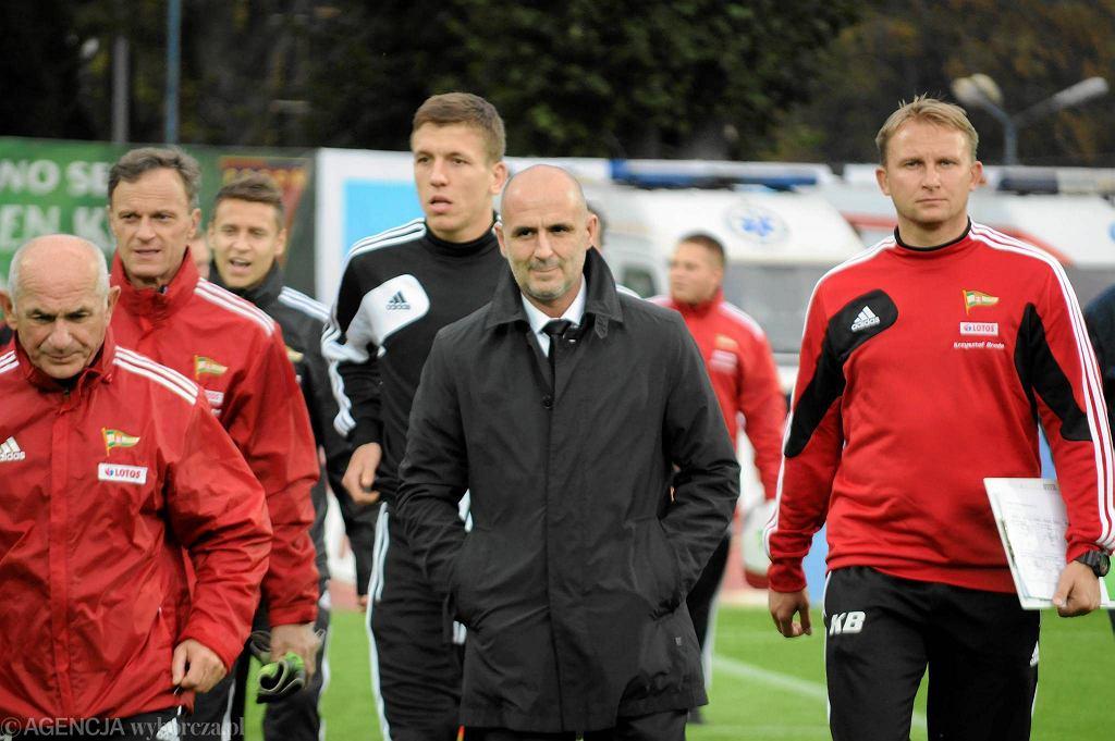 Były sztab trenerski Lechii - pierwszy z prawej Krzysztof Brede, obok Michał Probierz