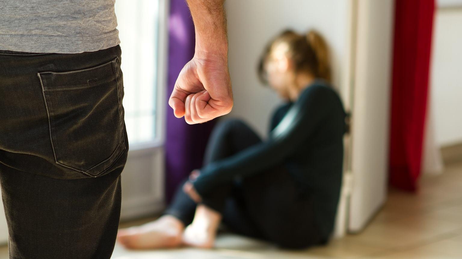 rodzice dziewczyny nie chcą, żeby się umawiała