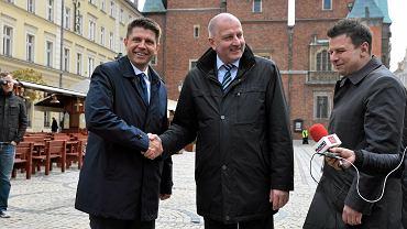 Rafał Dutkiewicz i Ryszard Petru podczas wspólnej konferencji prasowej we Wrocławiu