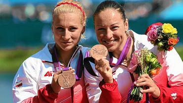 Beata Mikołajczyk (z prawej) i Karolina Naja na podium igrzysk olimpijskich w Londynie w 2012 roku