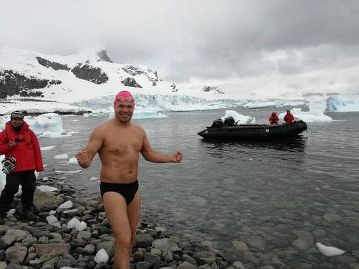 Leszek Naziemiec u wybrzeży Antarktydy