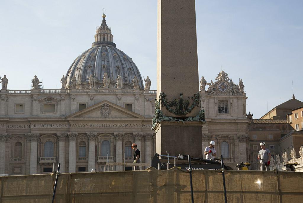 Watykan. Kości odnalezione nie należą do zaginionych w latach 80. nastolatek