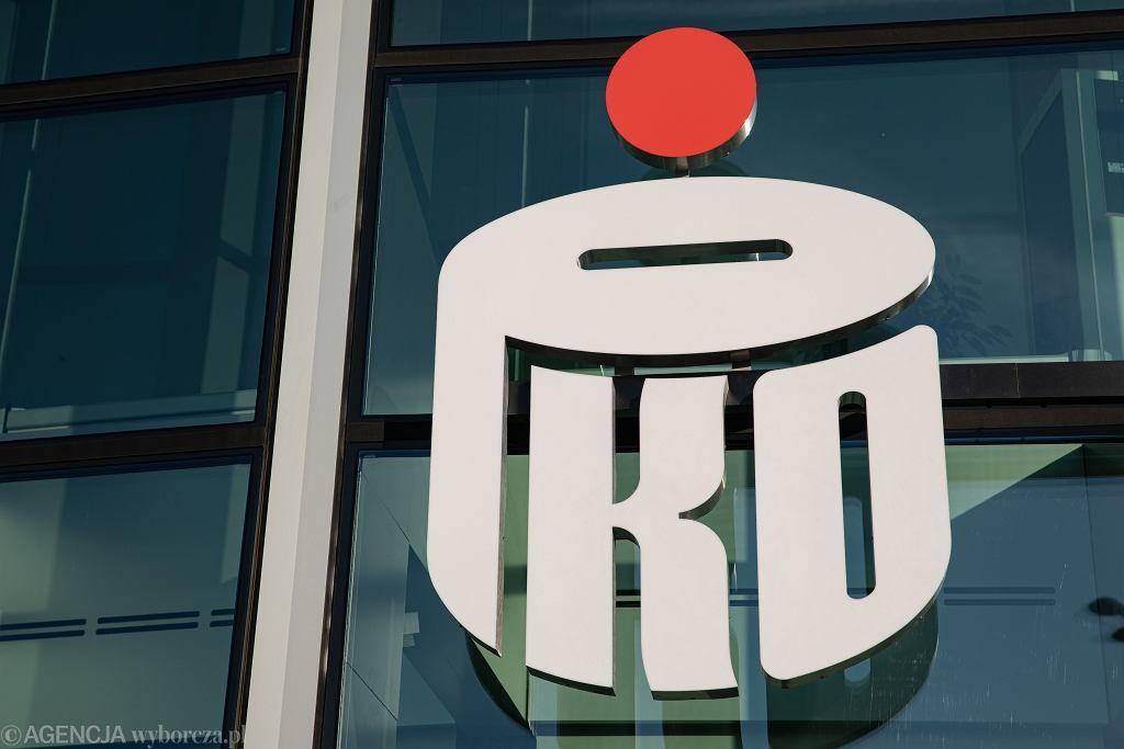PKO BP przestrzega przed oszustami wyłudzającymi dane klientów banku