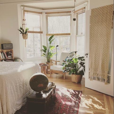 Sypialnia w stylu boho - przytulna i praktyczna. Zachwyć się etnicznymi motywami i bogactwem wzorów