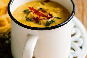 Zupa z warzywami korzeniowymi i soczewicą