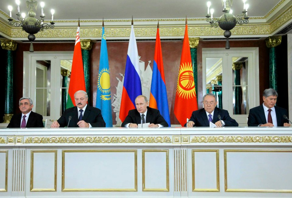 Kreml, 23 grudnia 2014 r. Od lewej: prezydent Armenii Serż Sarkisjan, Białorusi Aleksander Łukaszenka, Rosji Władimir Putin, Kazachstanu Nursułtan Nazarbajew i Kirgistanu Ałmazbek Atambajew