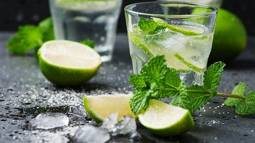 Drinki bezalkoholowe - Mojito w wersji bez alkoholu. Zdjęcie ilustracyjne