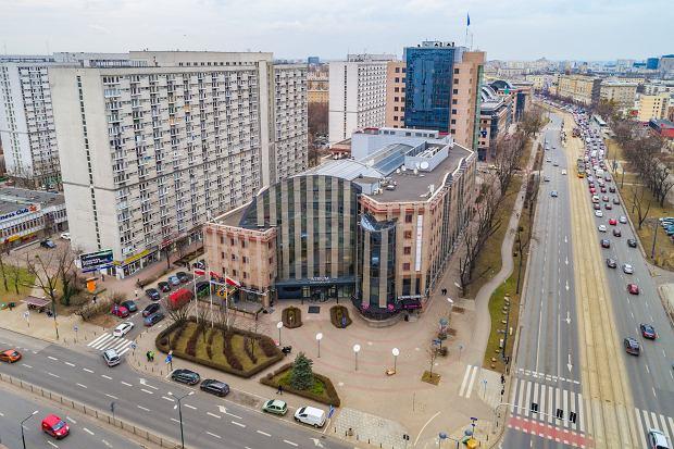 Biurowiec Atrium International to znany element warszawskiej Woli. Mimo modernizacji w latach 2016-2017 może zostać zburzony i zastąpiony 135-metrowym wieżowcem