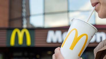 McDonald's wprowadza nowe słomki i kubki do lodów. Zastąpią dotychczasowe plastiki