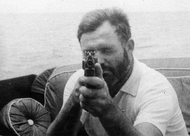 Ernest Hemingway: człowiek, który wymyślił męskość