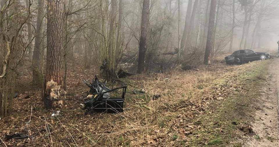 Wypadek w województwie wielkopolskim. Nie żyje 38-letni kierowca
