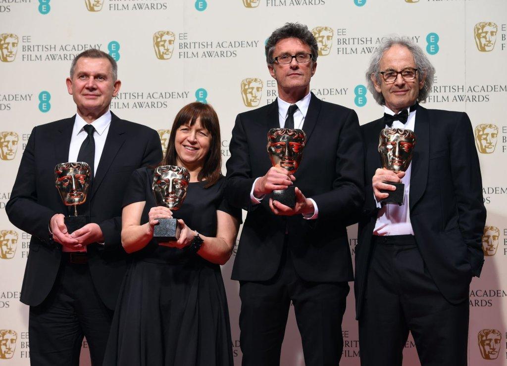 Ewa Puszczynska (na zdjęciu druga z lewej) tutaj z Piotrem Dzięciołem, Pawłem Pawlikowskim i Erickiem Abrahamem po otrzymaniu BAFTA. Kolejną wielką galą, na której