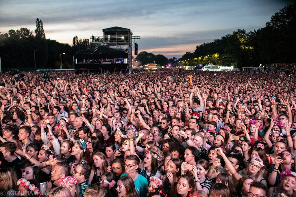Koncert zespołu Florence and the Machine podczas Orange Warsaw Festival 2018. Z powodu pandemii koronawirusa na kolejną edycję imprezy fani będą musieli poczekać do 2021 roku.