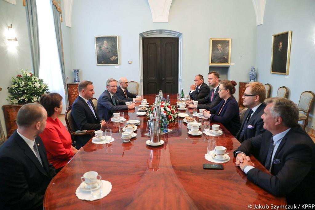 Andrzej Duda spotkał się z opozycją popierającą weto ordynacji do Parlamentu Europejskiego