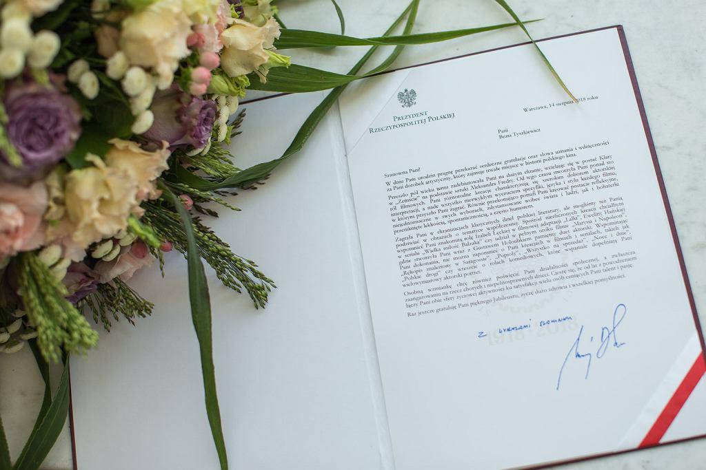 Bukiet I list z życzeniami dla Pani Beaty Tyszkiewicz