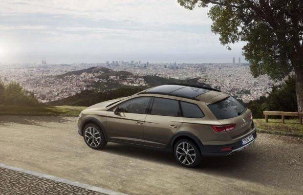 Seat Leon X-Perience wymaga dołaty 6500 zł do wersji FR z takim samym układem napędowym