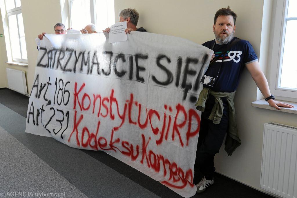 Protest pod siedzibą KRS