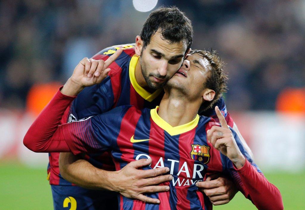 Barcelona zapewniła sobie awans już przed meczem z Celtikiem, ale jak widać w przypadku Neymara wyjście z grupy spowodowało nie lada uniesienie. Montoya gra na Camp Nou już od dawna, więc na nim nie zrobiło to specjalnego wrażenia, a może po prostu chciał być uprzejmy?