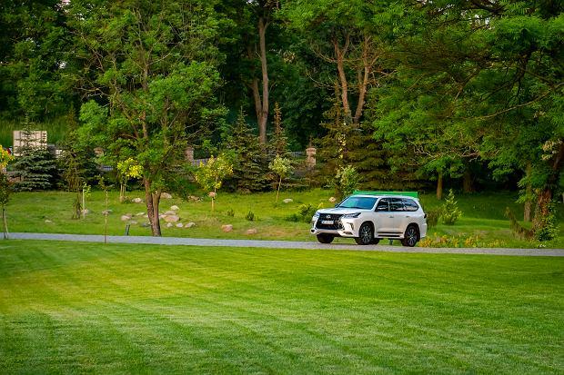 SUV-y Lexusa